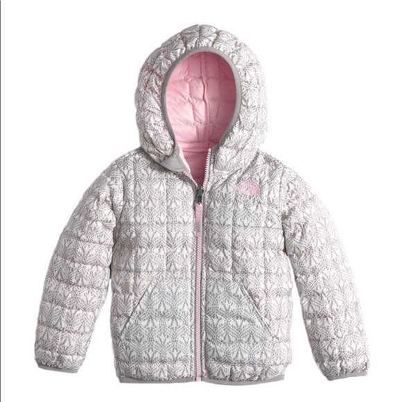 ab409822a North Face toddler girl Thermoball hooded jacket